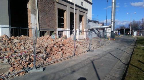 Strojní demoliční práce věznice